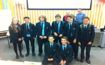 Year 10 students visit Sussex University